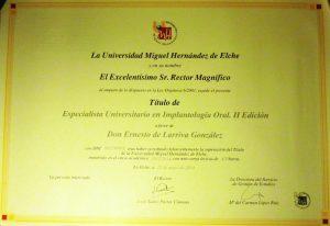 Dr. Ernesto de Larriva González 12