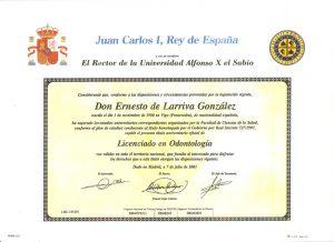 Dr. Ernesto de Larriva González 11